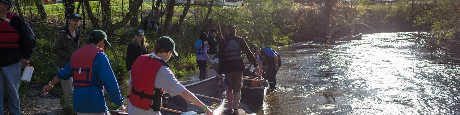 residents take part in Paddle the Don event
