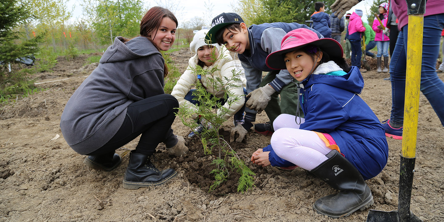 community members at TRCA planting event